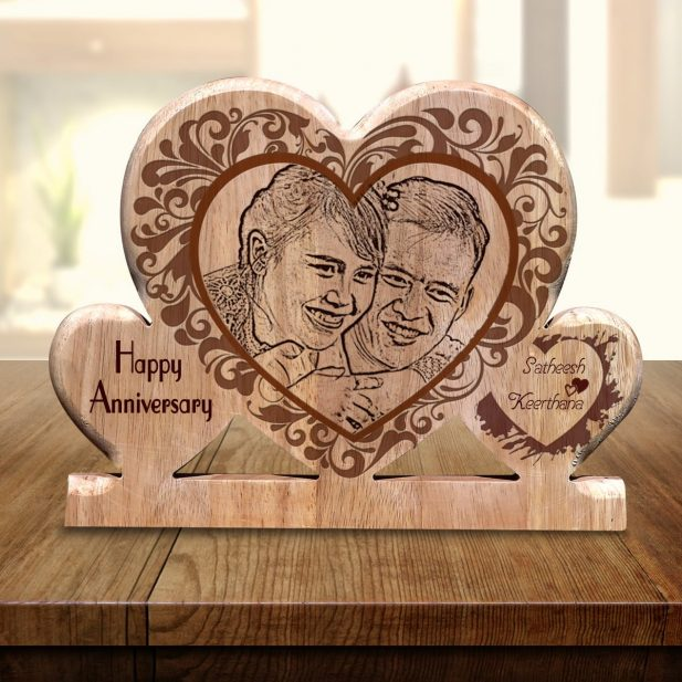 Personalized Wooden Engraving Photo Frame & Plaques Triple Heart Design 7 7